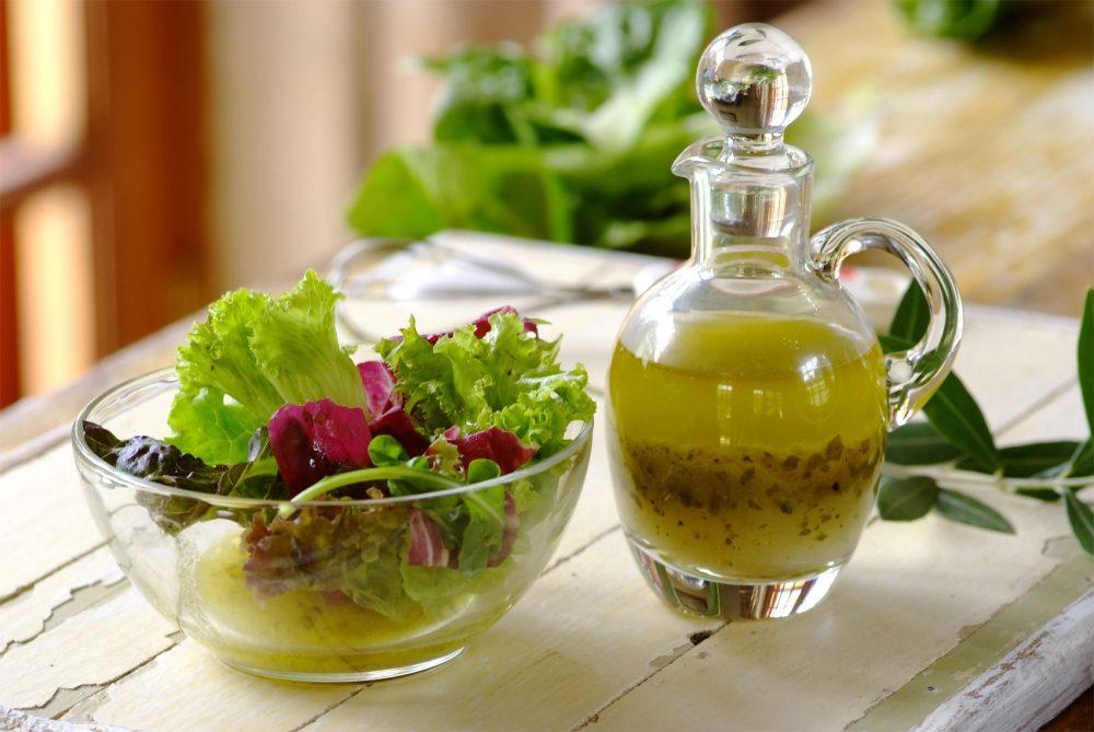 italian_herb_salad_dressing-1700-1700x1138